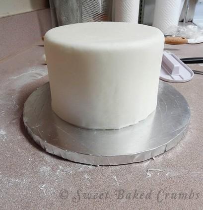 Homemade-white-vanilla-fondant-9