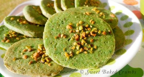 Bunch of pistachio cookies